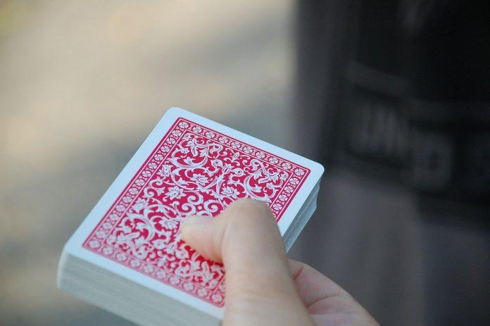 Anmeldelse av kortspill